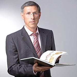 Руденко Игорь Витальевич родился в 1959 году, в г. Ростове-на-Дону.